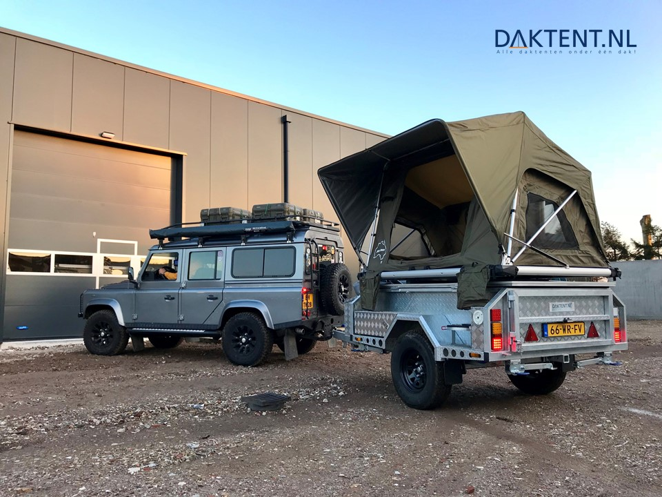 Daktent trailer defender
