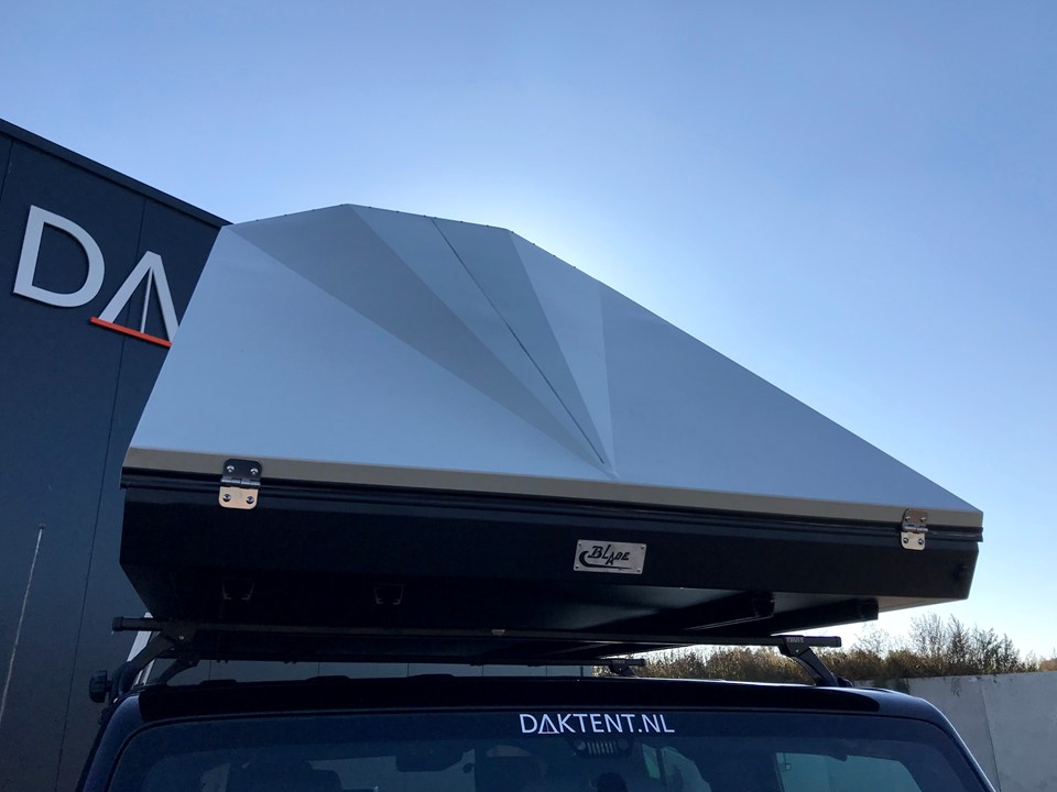 Blade daktent close up