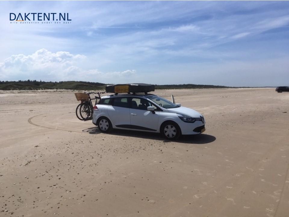 Renault Clio Jazz daktent strand