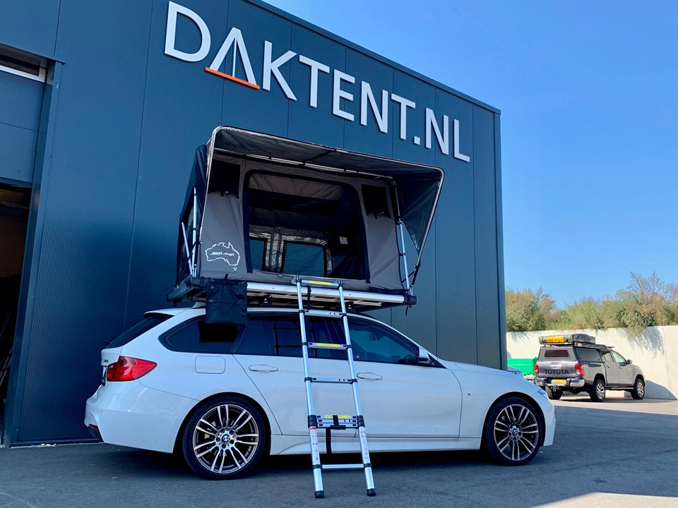 BMW 3-serie touring Roof top tent Jimba Jimba sheepie