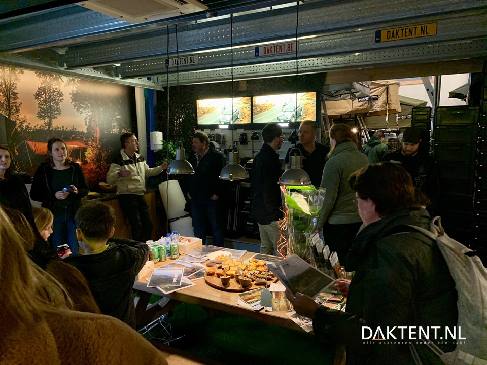 Showroom borrel daktent